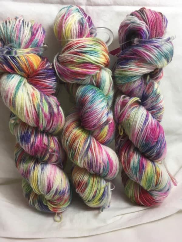 Einhorn - Handgefärbte Wolle