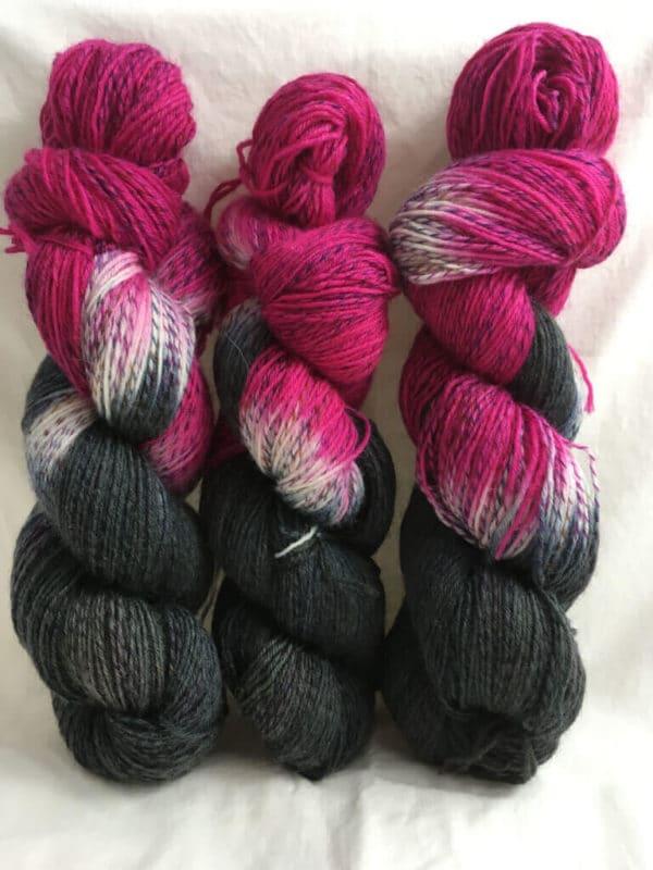 Pink Lady Buddy - Handgefärbte Twister Wolle