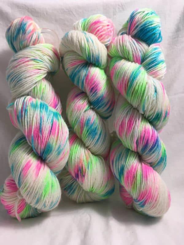 Techno Girl - Handgefärbte Wolle
