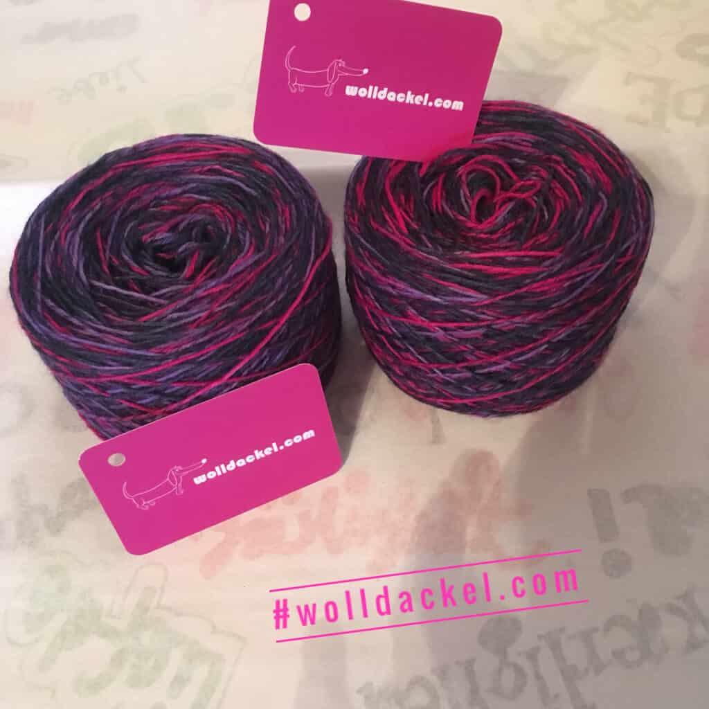 Handgefärbte Sockenwolle vom Wolldackel an Knäuel