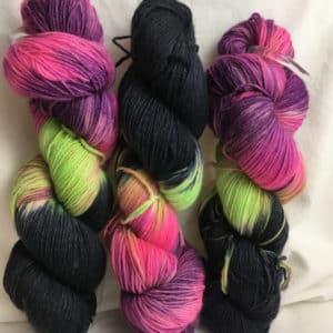 Island - Handgefärbte Wolle