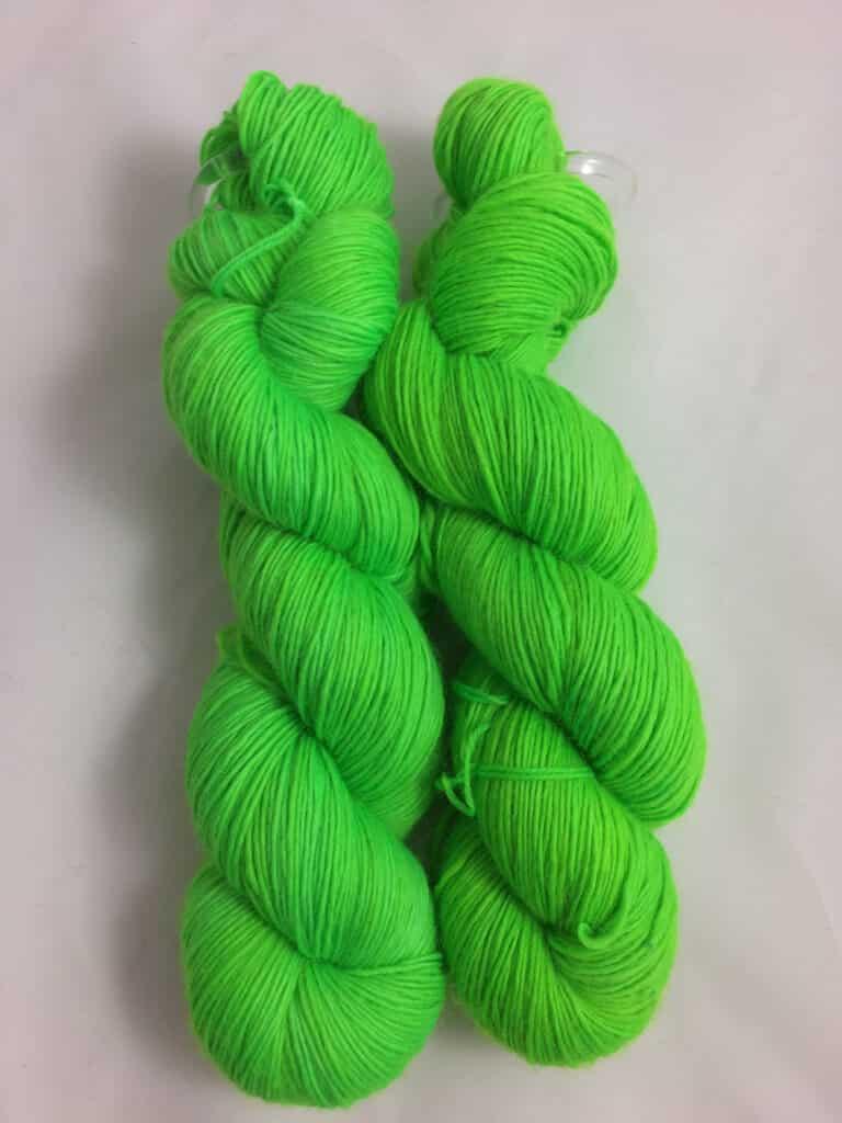 Neongrün - Handgefärbte Merino Wolle