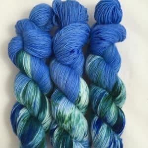 Into the Ocean - handgefärbte Lanartus Wolle