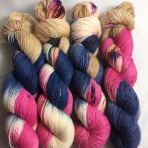 Dubai - Handgefärbte Wolle