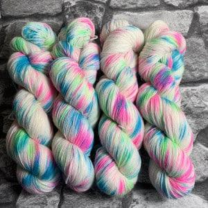 Handgefärbte Wolle Techno Girl – Classic gefärbte Wolle kaufen