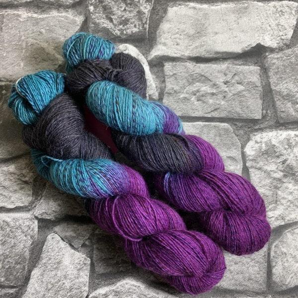 Handgefärbte Wolle Mistery – Tornado gefärbte Wolle kaufen