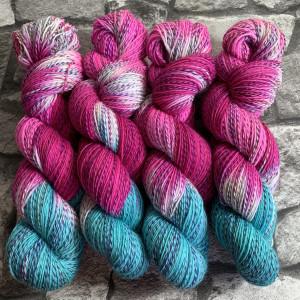 Handgefärbte Wolle Notting Hill – Tornado gefärbte Wolle kaufen