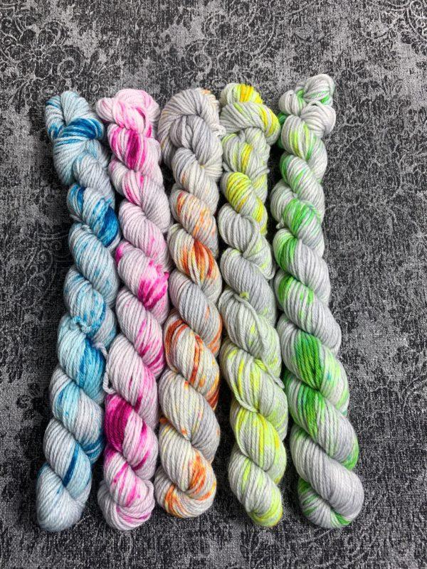 #1 grey neon - Merino Minis