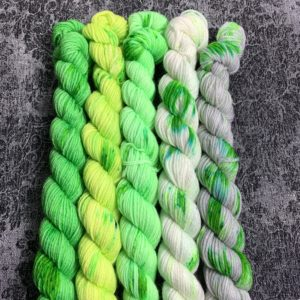 #11 faded green - Merino Minis