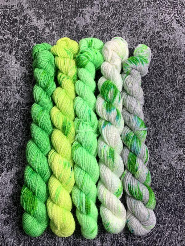 #11 faded green - Merino Minis