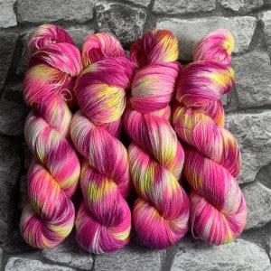 Handgefärbte Wolle Dancing Queen – Classic gefärbte Wolle kaufen