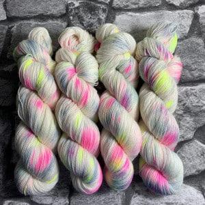 Handgefärbte Wolle Valentine – Classic gefärbte Wolle kaufen