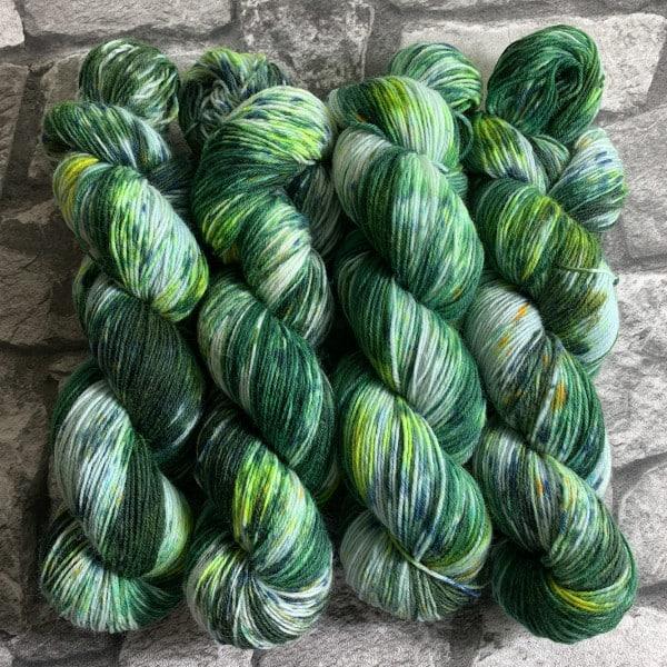 Handgefärbte Wolle Irish Moss – Classic gefärbte Wolle kaufen