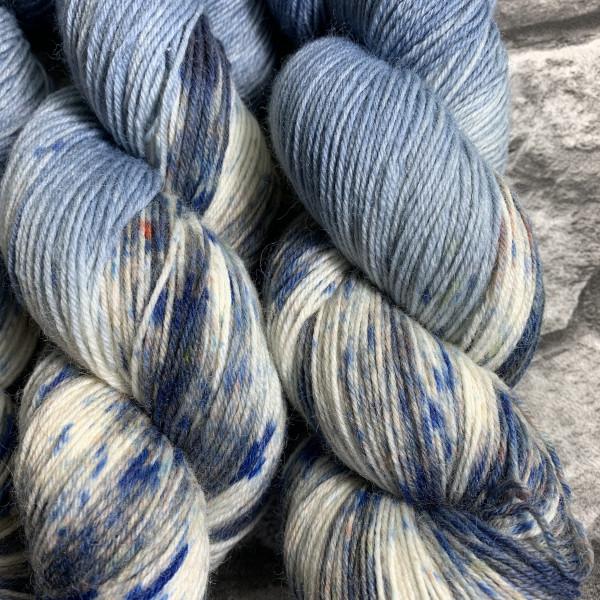 Handgefärbte Wolle Denim  –  Classic gefärbte Wolle kaufen