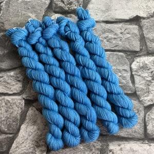 Handgefärbte Wolle Azrael  –  Classic  –  Mini gefärbte Wolle kaufen