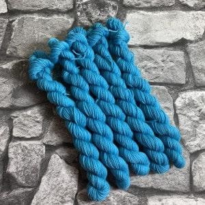 Handgefärbte Wolle Burt  –  Classic  –  Mini gefärbte Wolle kaufen