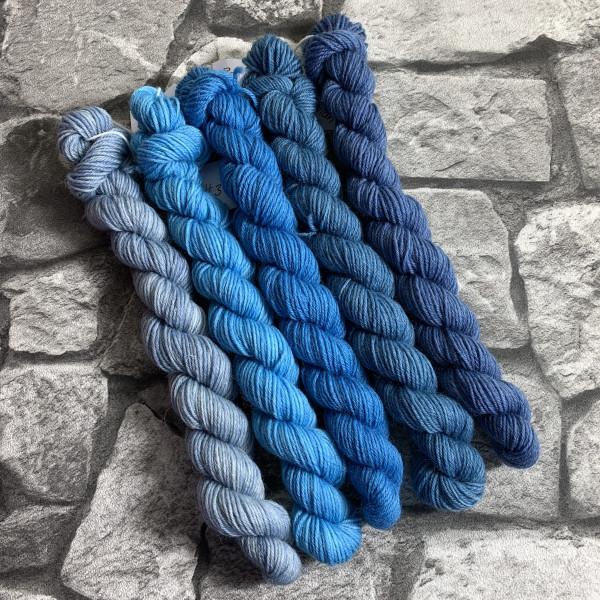 Handgefärbte Wolle Blue Times – Minipack gefärbte Wolle kaufen