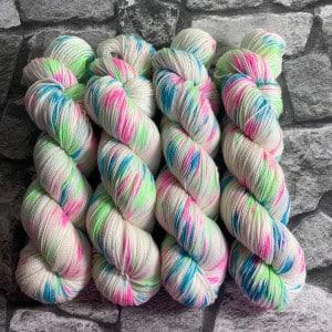 Handgefärbte Wolle Techno Girl – Pure gefärbte Wolle kaufen