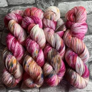 Handgefärbte Wolle Girlfriend – Classic gefärbte Wolle kaufen