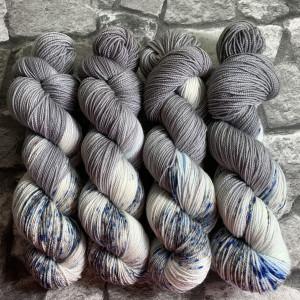 Handgefärbte Wolle Mountain  –  Pure gefärbte Wolle kaufen