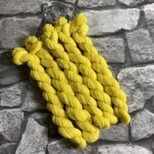 Handgefärbte Wolle Yuki  –  Classic  –  Mini gefärbte Wolle kaufen