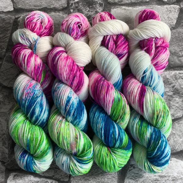 Handgefärbte Wolle Kew Gardens – Pure gefärbte Wolle kaufen