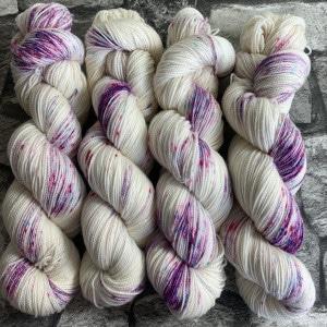 Handgefärbte Wolle Lovely Princess – Pure gefärbte Wolle kaufen