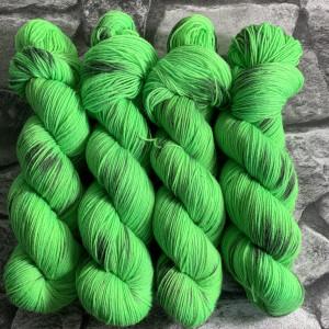 Handgefärbte Wolle Karlsson aus der Neonstraße – Classic gefärbte Wolle kaufen