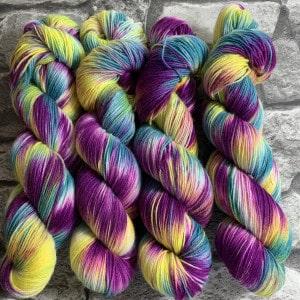Handgefärbte Wolle Hippie – Classic gefärbte Wolle kaufen