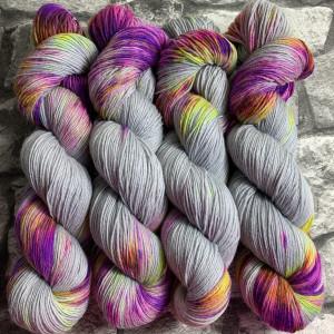 Handgefärbte Wolle Party Mouse – Classic gefärbte Wolle kaufen