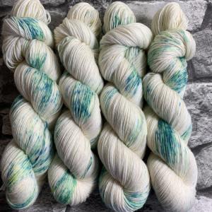Handgefärbte Wolle Iceflower – Classic gefärbte Wolle kaufen