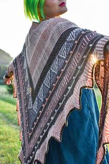 Ein Strang handgefärbte Wolle mit dem Namen Brioche + Mystery – Kit 4 von Wolldackel